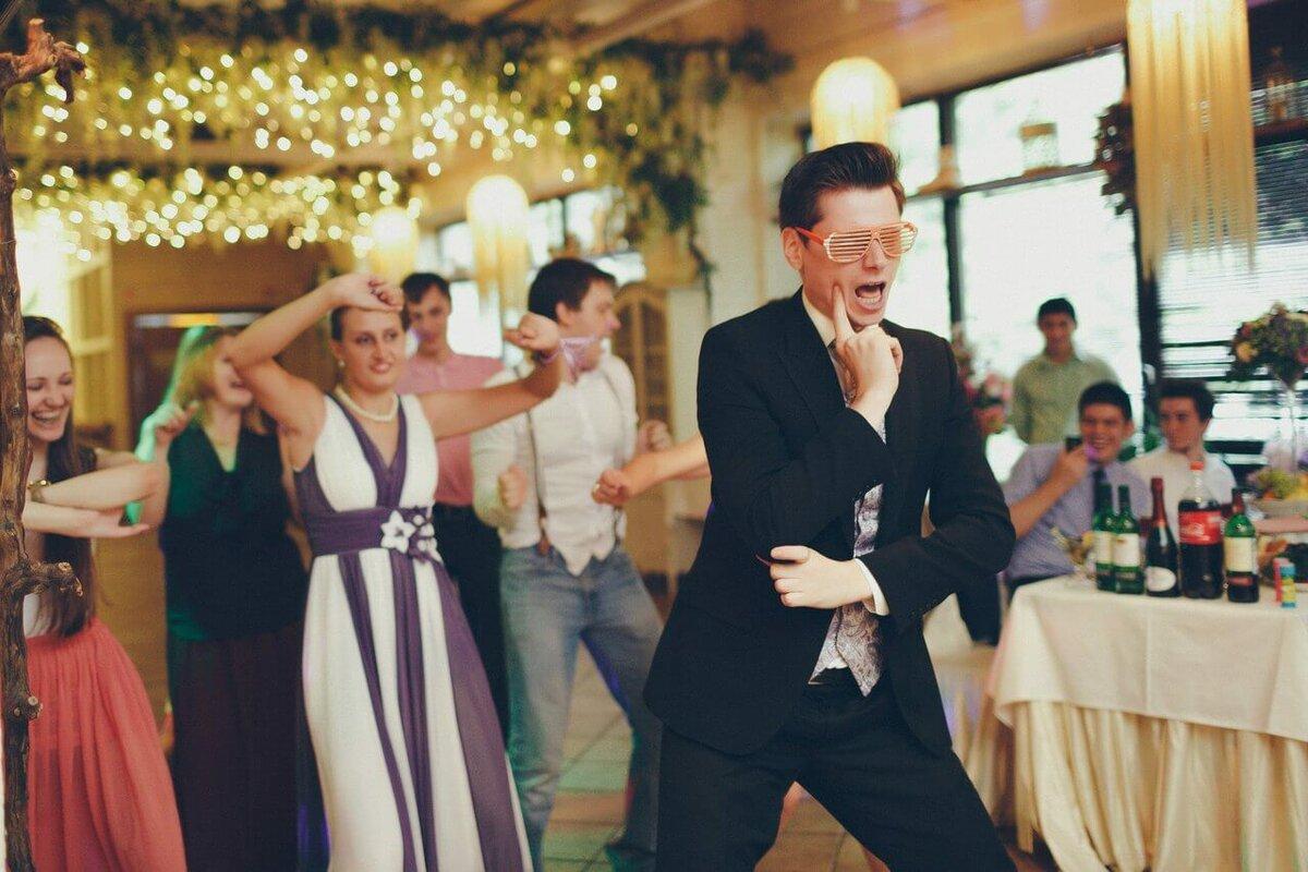 Как выбрать тамаду для свадебного торжества