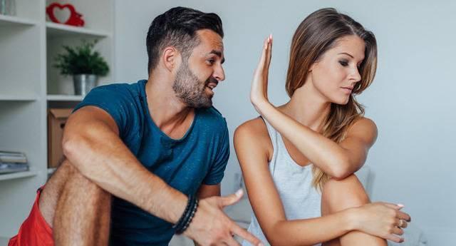 Как следует себя вести если муж ушел из семьи: практичные советы психолога