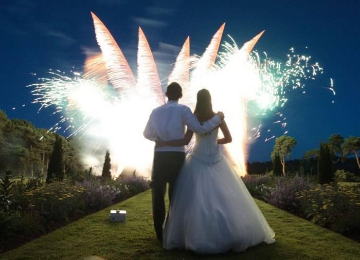 Свадебное конфетти – разноцветная радость