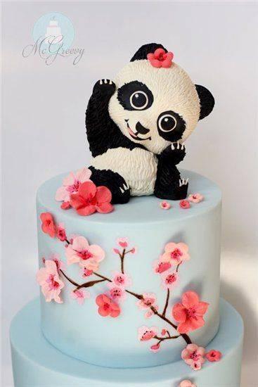 Как оригинально украсить свадебный торт фигурками, кремом, мастикой, ягодами и фруктами?